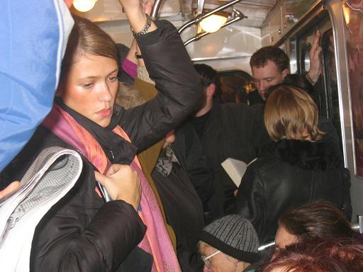2005-11-12_SPb_metro1